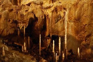 Stalagmity jaskini Javoricskiej