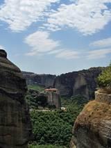 Klasztory zbudowane na skałach,