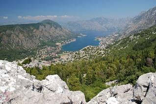 Zalew Kotorski tysiąc metrów niżej