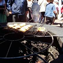 Naturalny, wulkaniczny grill