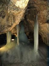 Demianowska Jaskinia  Lodowa - kolumny lodowe